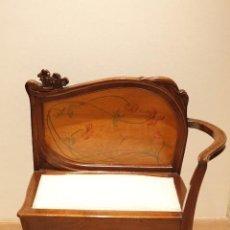 Antigüedades: PAREJA DE BUTACAS MODERNISTAS. Lote 143369678