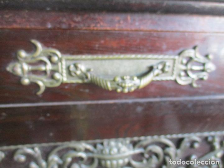 Antigüedades: Antiguo Comedor, Estilo Renacimiento - Madera de Roble - Decoraciones en Bronce - Circa 1900 - Foto 79 - 143378974