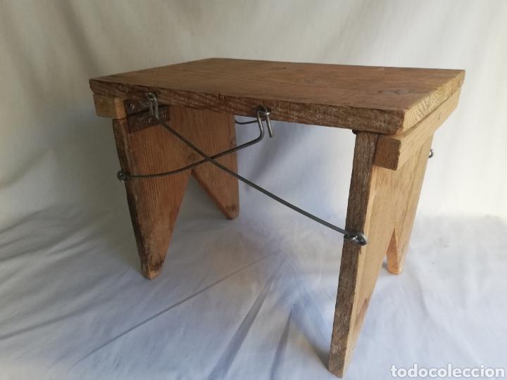 CURIOSA SILLA DE MADERA PLEGABLE ANTIGUA (Antigüedades - Muebles Antiguos - Sillas Antiguas)