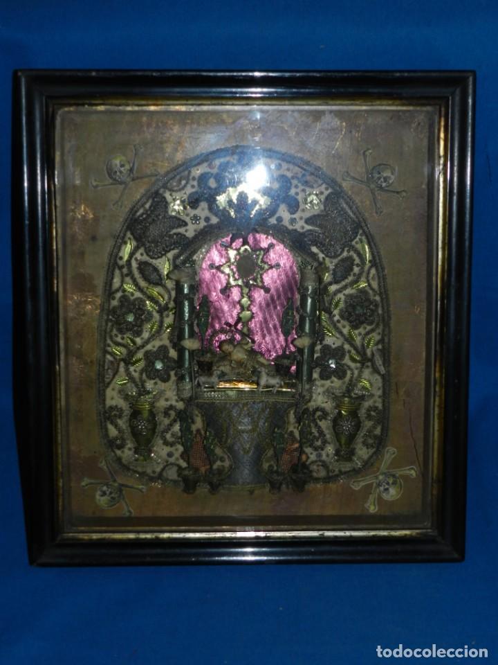 Antigüedades: (M) ANTIGUO MARCO RELICARIO CON FILIGRANAS DE SEDA Y PAPEL Y FIGURA DE BARRO S XIX TRABAJO DE MONJAS - Foto 7 - 143386926