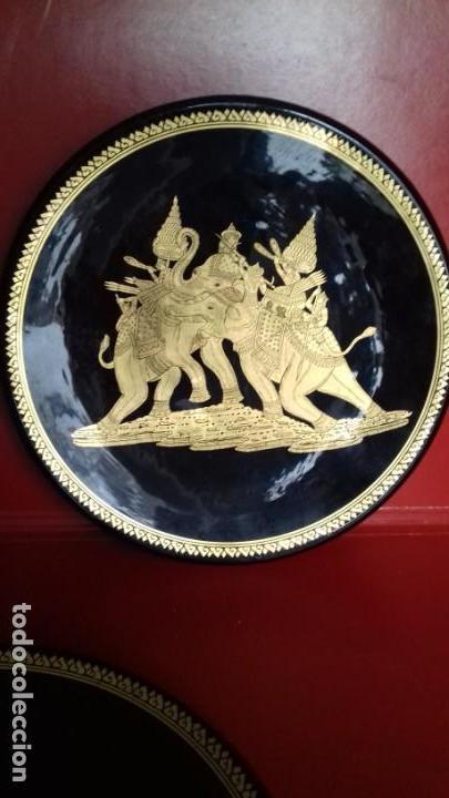 Antigüedades: BONITO CONJUNTO DE TRES PLATOS TAILANDESES NEGROS Y PAN DE ORO TRES TAMAÑOS 315mm-305mm y 175mm. - Foto 4 - 143392318
