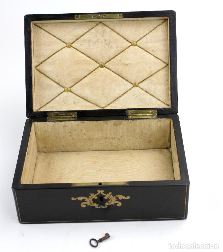 Antigüedades: Caja chapada de jacaranda, finales siglo XIX, etiqueta de Cuba, La Polka, Habana. 22x15x8,5cm - Foto 3 - 143393826