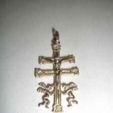 Antigüedades: CRUZ DE CARAVACA EN PLATA DE LEY. Lote 143550402
