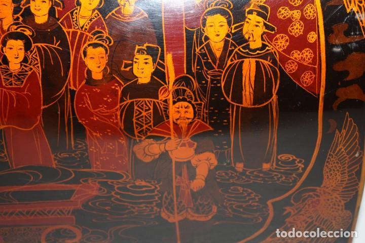 Antigüedades: BAUL EN MADERA LACADA CHINA CON ESCENAS ORIENTALES. MEDIADOS SIGLO XX - Foto 11 - 143566518