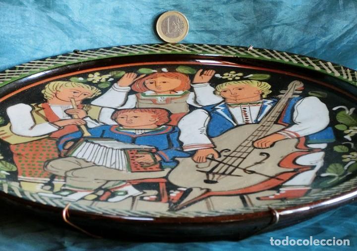 Antigüedades: GRUPO DE MÚSICOS - PLATO DE CERÁMICA SUIZA - SCHNEIDER STEFFISBURG - TEMÁTICA MUSICAL - COLECCIÓN - Foto 7 - 143607734