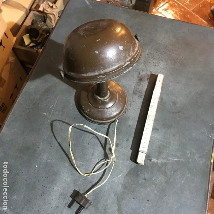 Antigüedades: Pequeña lámpara industrial - Foto 2 - 143636786