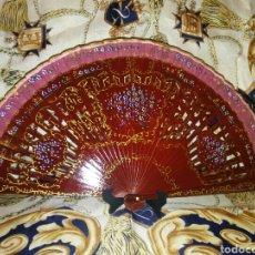 Antigüedades: ABANICO PINTADO A MANO PRECIOSO. Lote 143675894