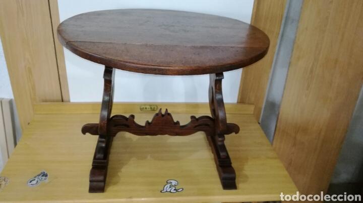 MESA DE ROBLE BAJA MUY BONITA (Antigüedades - Muebles Antiguos - Mesas Antiguas)