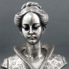 Antigüedades: BUSTO FEMENINO EN RESINA CHAPADA EN PLATA FIRMADA A. GIAN SIGLO XX. Lote 143721314