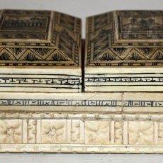 Antigüedades: TABAQUERA EN HUESO TINTADO Y PALISANDRO-PALACIO DE GOBIERNO Y EL BELEN-ECUADOR.COLONIAL.. Lote 143732134