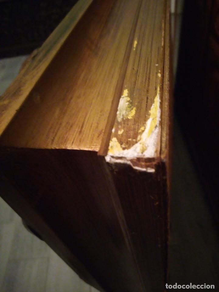 Antigüedades: espejo estilo barroco,marco de madera con pastas cobre y blanco roto quebrado.primera mitad siglo xx - Foto 13 - 143757210