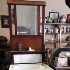Antigüedades: MUEBLE PALANGANERO CON ESPEJO. Lote 143934402