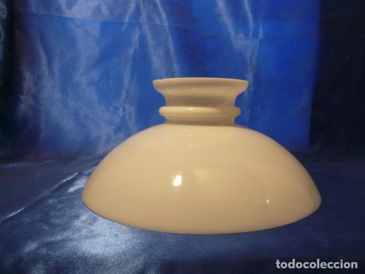 TULIPA PANTALLA PARA LAMPARA QUNQUE OPALINA BLANCA BOCA: 295 MM (Antigüedades - Iluminación - Quinqués Antiguos)