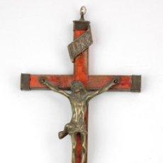 Antigüedades: CRISTO DE LATÓN EN CRUZ DE MADERA, SIGLO XIX. 23X9,5CM. Lote 143982106