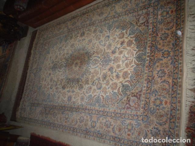 Antigüedades: precioso alfombra ispahan persa seda y lana - Foto 9 - 143982446