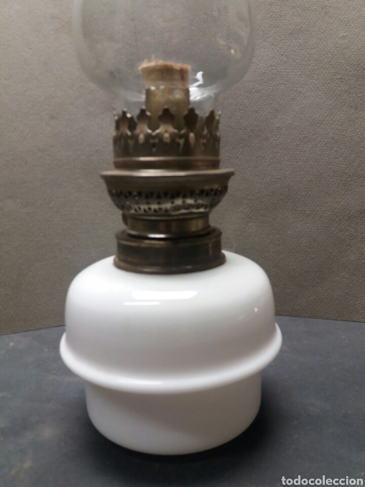 Antigüedades: Quinque de opalina blanca - Foto 2 - 144006198