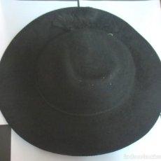 Antiquitäten - SOMBRERO ANTIGUO O TEJA DE CURA SACERDOTE CON SELLO VATICANO - 144008018