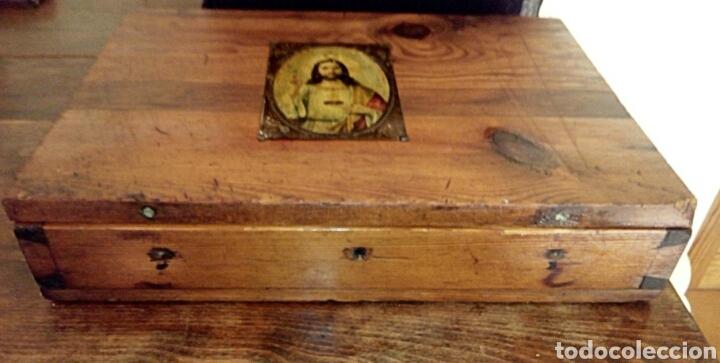 Antigüedades: Limosnera. Petitoria de sacristia. Madera de roble. Siglo XIX - Foto 3 - 144016082