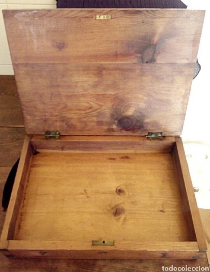 Antigüedades: Limosnera. Petitoria de sacristia. Madera de roble. Siglo XIX - Foto 7 - 144016082