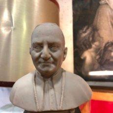 Antigüedades: BUSTO PAPA JUAN XXIII - MEDIDA 15 CM - RELIGIOSO. Lote 144039626