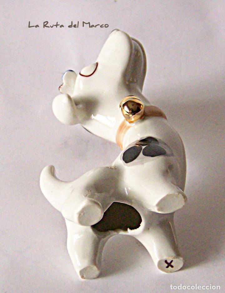 Antigüedades: Perro - Figura de porcelana - Sellada - Foto 2 - 144040046