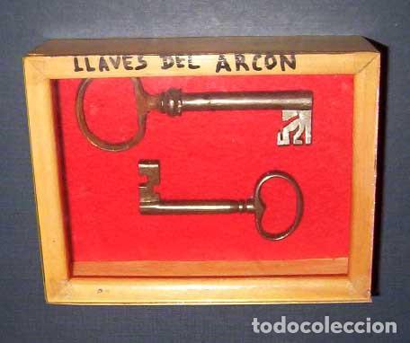 Antigüedades: Arcón muy grande en nogal con 3 cerraduras y hierros forjados - Foto 5 - 144043970