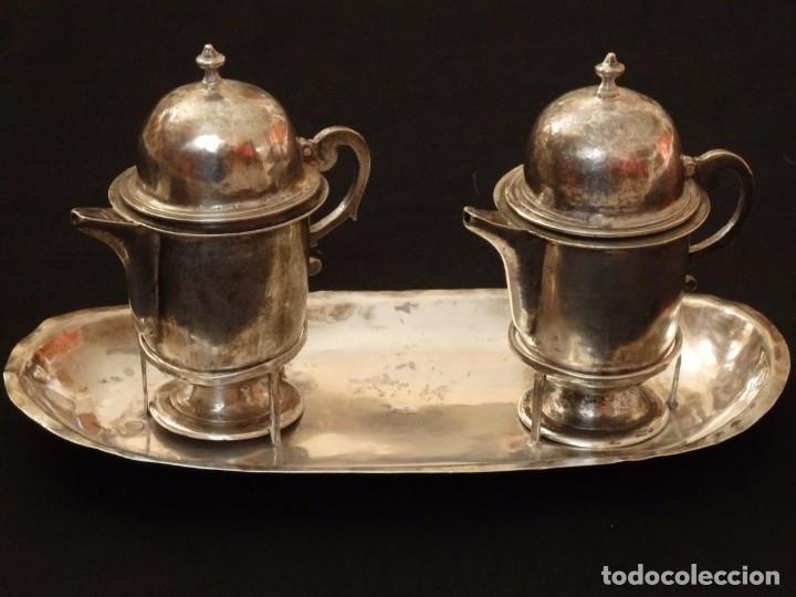 Antigüedades: Juego de vinajeras litúrgicas en plata punzonada. Siglos XVII-XVIII. - Foto 2 - 144051666