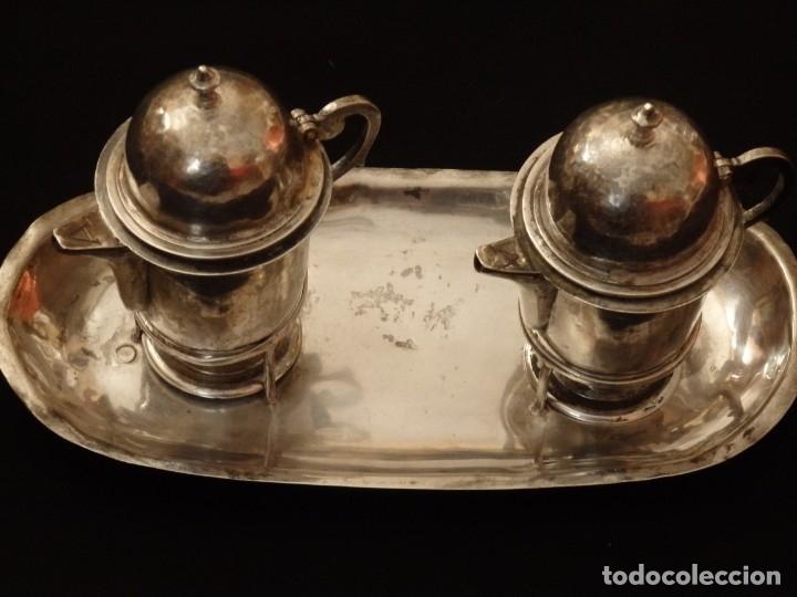 Antigüedades: Juego de vinajeras litúrgicas en plata punzonada. Siglos XVII-XVIII. - Foto 4 - 144051666