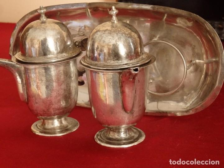 Antigüedades: Juego de vinajeras litúrgicas en plata punzonada. Siglos XVII-XVIII. - Foto 6 - 144051666