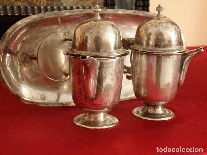 Antigüedades: Juego de vinajeras litúrgicas en plata punzonada. Siglos XVII-XVIII. - Foto 7 - 144051666