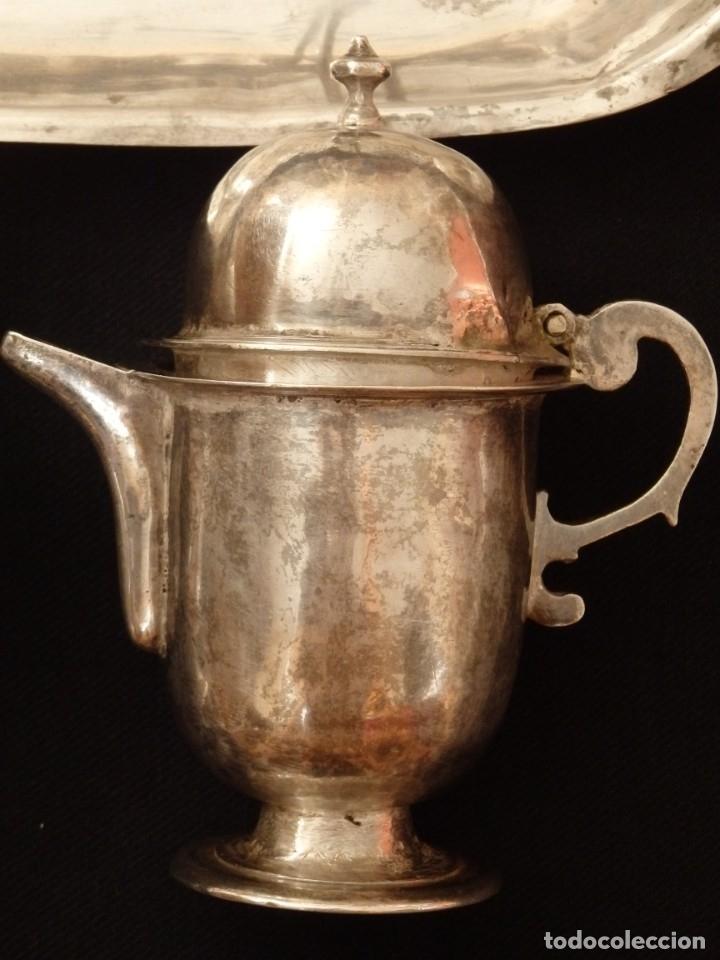 Antigüedades: Juego de vinajeras litúrgicas en plata punzonada. Siglos XVII-XVIII. - Foto 9 - 144051666