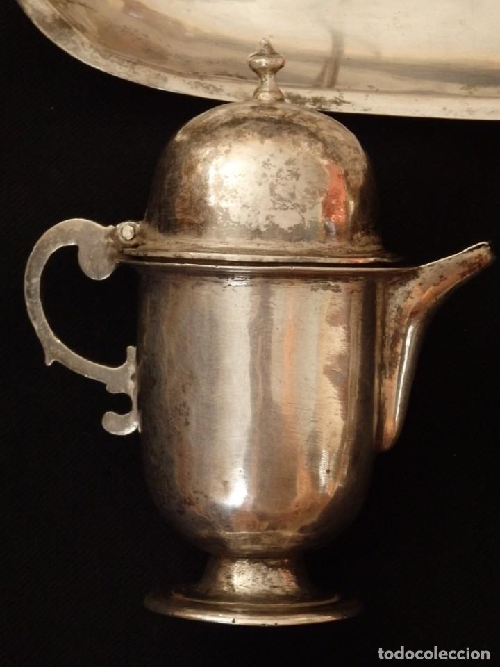 Antigüedades: Juego de vinajeras litúrgicas en plata punzonada. Siglos XVII-XVIII. - Foto 10 - 144051666
