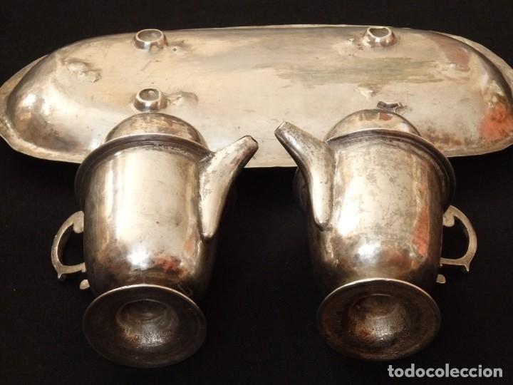 Antigüedades: Juego de vinajeras litúrgicas en plata punzonada. Siglos XVII-XVIII. - Foto 13 - 144051666