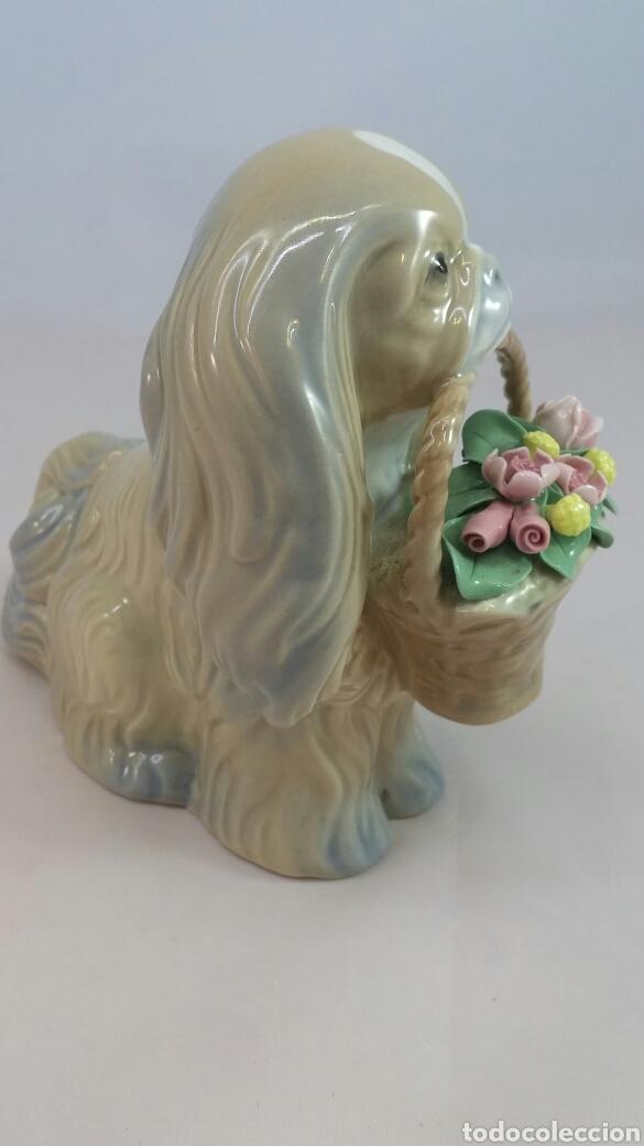 Antigüedades: Figura perro y cesta con flores porcelana Miguel Requena - Foto 5 - 144057949