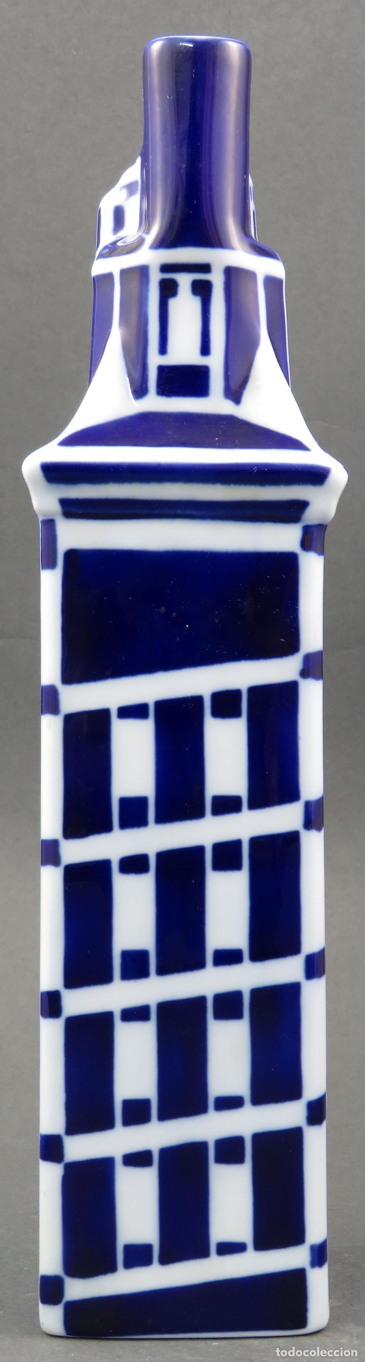 Antigüedades: Botella Torre de Hercules en cerámica Castro Sargadelos siglo XX - Foto 3 - 144074990