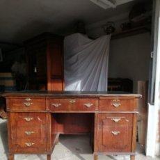 Antigüedades: MESA ESCRITORIO DESPACHO DE NOGAL. Lote 144080466