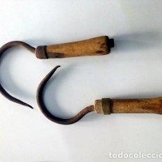 Antigüedades: GANCHOS PARA BALAS DE HENO ANTIGUOS. Lote 144084774