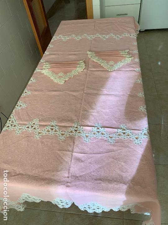 Antigüedades: Antigua Manteleria lino y encaje. Color rosa. 8 servicios. - Foto 2 - 144089290
