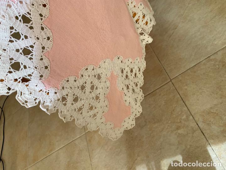Antigüedades: Antigua Manteleria lino y encaje. Color rosa. 8 servicios. - Foto 5 - 144089290
