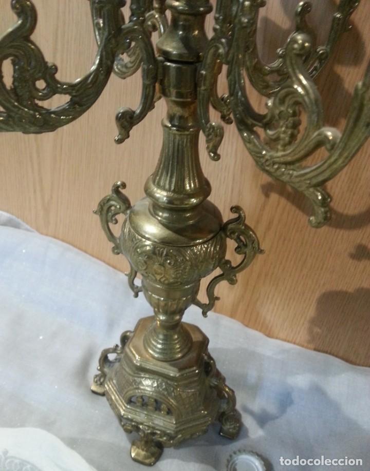 Antigüedades: Candelabro antiguo. En bronce. Años 70. Grande para 5 velas. - Foto 5 - 144093274