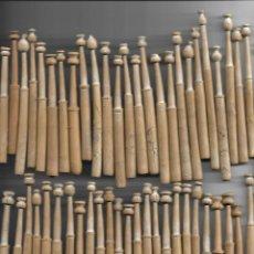 Antigüedades: 52 BOLILLOS EN MADERA DE BOJ. Lote 144103510
