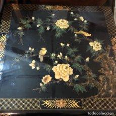 Antigüedades: PRECIOSA MESA CHINA LAVADA CON INCRUSTACIONES, MAGNIFICA. Lote 144150960