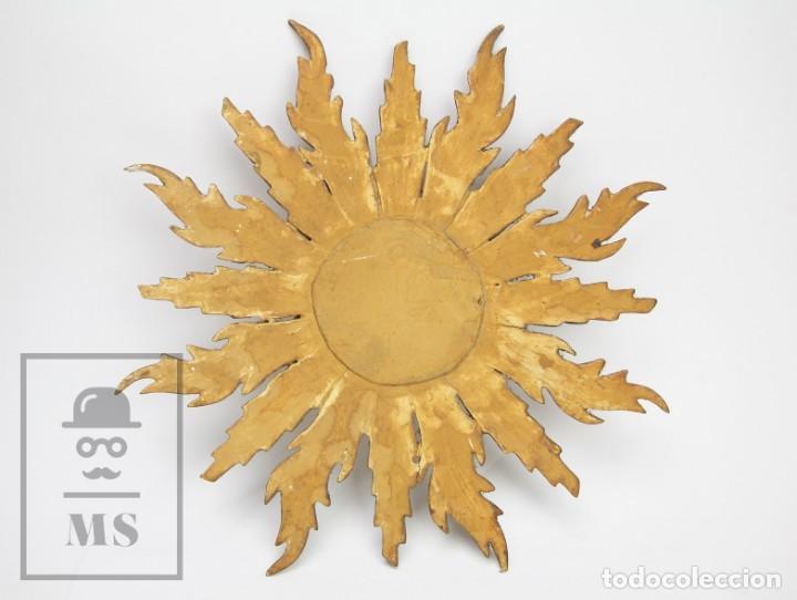 Antigüedades: Antiguo Espejo de Madera Tallada, Estucada y Dorada - Forma de Sol / Circular - Diámetro 40,5 cm - Foto 4 - 144190014