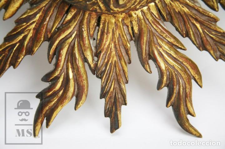 Antigüedades: Antiguo Espejo de Madera Tallada, Estucada y Dorada - Forma de Sol / Circular - Diámetro 40,5 cm - Foto 7 - 144190014