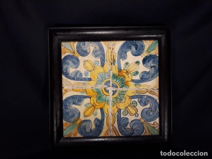 CUATRO AZULEJOS ENMARCADOS. VALENCIA. 2ª MITAD SIGLO XVII - PRINCIPIOS XVIII. (Antigüedades - Porcelanas y Cerámicas - Manises)