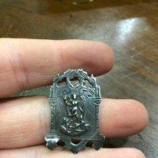 Antigüedades: ANTIGUA MEDALLA DE PLATA ARCANGEL SAN MIGUEL - MEDIDA 3,5X2,5 CM. Lote 144216582