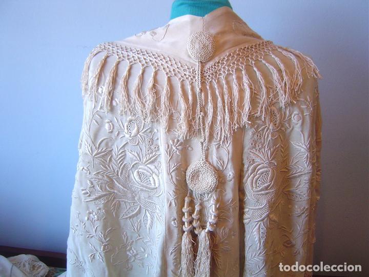 Antiques: Capa o salida de teatro antigua Isabelina en seda bordada a mano - Foto 2 - 144226490