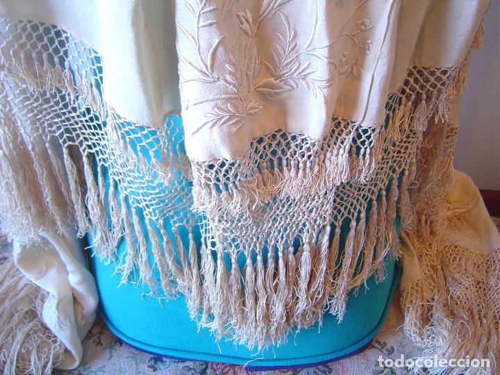 Antiques: Capa o salida de teatro antigua Isabelina en seda bordada a mano - Foto 4 - 144226490
