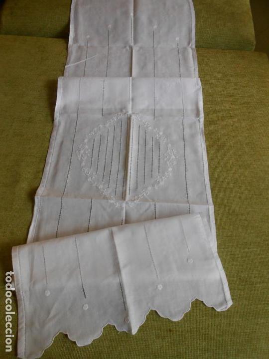 Antigüedades: PRECIOSO PAREJA 2 PANELES CORTINA, LINO BLANCO.CENTRO OVAL Y VAINICAS A MANO.45X180 CM. NUEVO - Foto 13 - 144243986