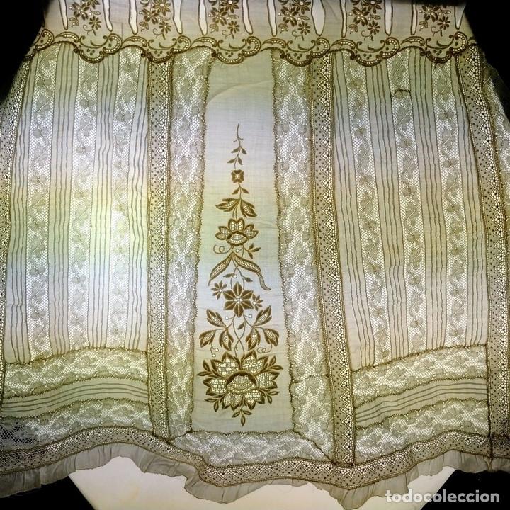 Antigüedades: VOLANTE PARA FALDA DE DAMA. BATISTA DE ALGODÓN Y SEDA. BORDADOS. ENCAJES. ESPAÑA.XIX - Foto 9 - 144247758